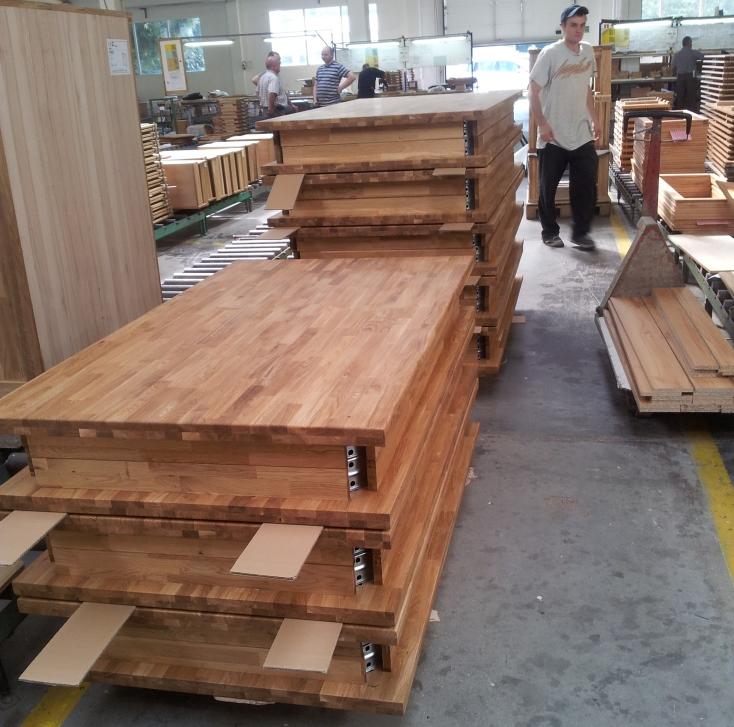Jedálenské stoly výroba